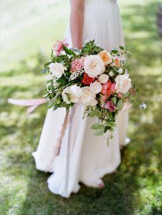 Love this simple Bridal Shot - erinkatephoto_LaurelTaylor // Tinge