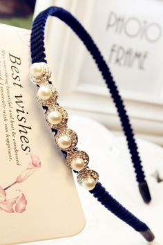 Pearl decorated hair accessory