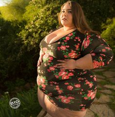 #feeder   #feedee   #fatadmirer   #fat   #eat   #belly   #stuffing   #bbw   #ssbbw   #ssbbwlover   #bbwlover   #fatlover   #stuffer   #jiggle   #feed   #thighs   #fatthighs   #muffintop   #squeeze   #gaining   #fatbelly   #sexyfat   #fatty   #chubby   #curves   #squeeze