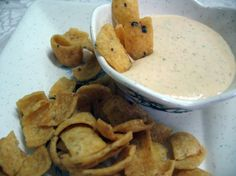 Roasted Red Pepper & Garlic Dip >> Want to try this...