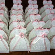 Cricut - party favor box for bridal/bachelorette parties - i love these!