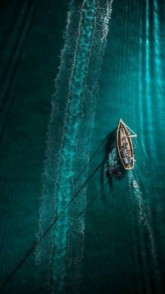 Water Boat in Ocean Aerial View iPhone Wallpaper Free – GetintoPik Wallpaper Texture, Nature Wallpaper, Wallpaper Backgrounds, Iphone Wallpaper Ocean, Boat Wallpaper, Travel Wallpaper, Animal Wallpaper, Iphone Wallpapers, Aerial Photography