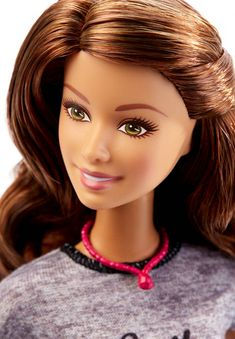 Barbie® Fashionistas® Doll - Smile With Style close-up, 2016 collection