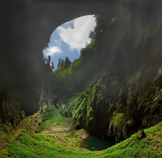 Macocha abyss in Moravian karst, Czechia Prague, Places To Travel, Places To Visit, House Of Beauty, Central Europe, Czech Republic, Nature Photos, Travel Around The World, Beautiful Places