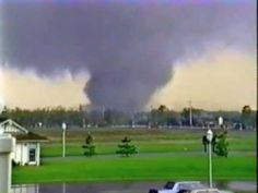 Tornado in Andover Kansas On April 26 1991 Weather Cloud, Wild Weather, Weather And Climate, Severe Weather, Extreme Weather, Tornado Gif, Tornado Videos, Kansas Usa