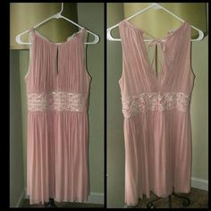 Formal dress Slight opening in the chest area gives it an elegant flair. Knee length dress. Worn just once. Practically new. Dresses Mini