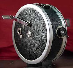 1925. Kinarri 35mm camera. The first product of Arnold & Richter, famous for their Arriflex cameras.