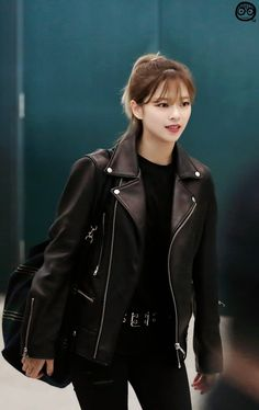 Discovered by [x x]. Find images and videos about twice on We Heart It - the app to get lost in what you love. Kpop Girl Groups, Korean Girl Groups, Kpop Girls, Twice Jungyeon, Twice Kpop, Nayeon, Suwon, Dahyun, Airport Style