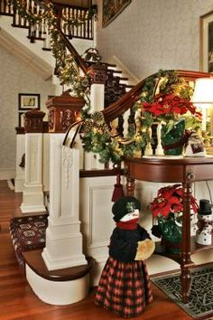 victorian christmas decorated with mixed paint treatment on the stairs Tartan Christmas, Christmas Town, Merry Little Christmas, Christmas Themes, Winter Christmas, Vintage Christmas, Xmas, Victorian Christmas Decorations, Christmas Staircase