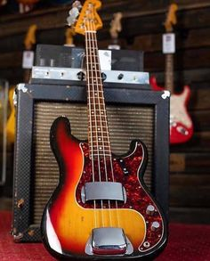 Fender Bass, Bass Guitars, All About That Bass, Bass Amps, Vintage Guitars, Guitar Lessons, Musical Instruments, Electric, Dance