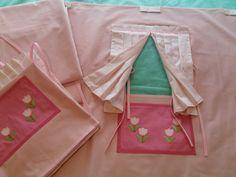Conjunto de casinha de tecido para decoração de quarto.  Fabric house for room decor.