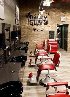 BARBER - Tommy Gun's - Chermside, Qld  Tommy Gun's is an innovative Chicago style barbershop concept positioned as a truly male focussed concept. We are on the search for an experienced Barber who is a master at their craft.This is the beginning of a thriving journey, the perfect time to jump on board and work your way up. Exceptional incentives and remuneration offered!  APPLY HERE: http://www.seek.com.au/Job/29468270  Check out our website: http://tommyguns.com.au