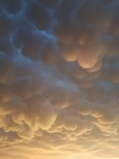 I didn't get to see the big show but this Mammatus is southeast of Amarillo right now.