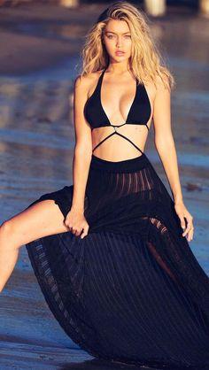 Gigi Hadid - Look at that skirt!