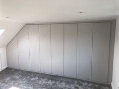 Take a look at this fitted wardrobe in a loft conversion. Using the space in the room fitted Wardrobes in the eaves. Loft Conversion Fitted Wardrobes, Loft Conversion Dressing Room, White Fitted Wardrobes, Loft Conversion Bedroom, Loft Room, Bedroom Loft, Master Bedrooms, Loft Storage, Eaves Storage
