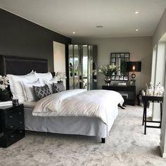 Kunne du tenke deg å våkne opp i denne sengen?⭐️ I disse dager gjør jeg klar en ny @initioeiendom bolig for salg • • • • • #bymadsmagazine #bymads #madsmolvik #home #dekor #decor #interiør #inredning #design #interiør #inredning #interior #interiordesign #bed #bedroom #bedrooms #bedding #lamp #view #inspiration #inspirasjon #homestyle #homedecor #homeinterior #style #homestyle #sweetdreams #initioeiendom #1oak