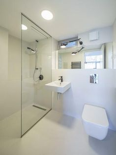 microtopping idealwork bathroom shower cladding cement effect silver grey Bathroom Shower Panels, Shower Doors, Modern Bathroom Design, Bathroom Interior Design, Bathroom Cladding, Luxury Shower, Shower Surround, Bathroom Colors, Bathroom Ideas