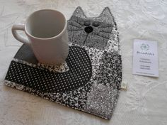 Patchwork Cat Mug Rug - no pattern (appears to be for sale on web site) pic for inspiration