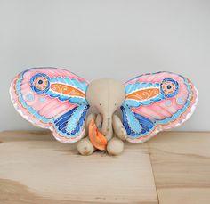Faery jewelry and textile art maker. Raggy Dolls, Sock Dolls, Handmade Toys, Handmade Art, Crochet Projects, Sewing Projects, Dolly Doll, Handmade Stuffed Animals, Fabric Animals