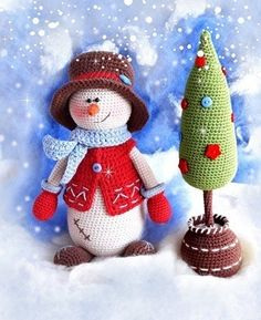 25 Crochet Christmas Patterns to Try - A More Crafty Life Crochet Snowman, Christmas Crochet Patterns, Crochet Patterns Amigurumi, Amigurumi Doll, Crochet Christmas, Diy Christmas Tree, Christmas Toys, Christmas Decorations, 242
