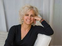 How Does Kate DiCamillo, a Newberry Medal Winner, Get Her Story Ideas?