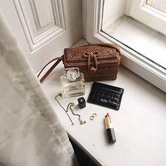 Cardholder Croco #MKNAvienna Bath Caddy, Floating Nightstand, Card Holder, Instagram, Leather, Home Decor, Room Decor, Home Interior Design, Home Decoration