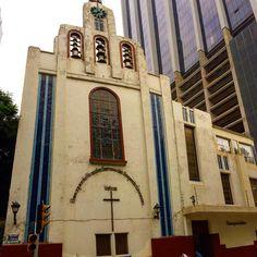 Una pequeña capilla en la zona conurbadaes un claro contraste de la zona de ambiente gay en la Ciudad de México :)