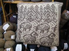 Ravelry: Snowy Sheep Pillow pattern by Aria Reynolds