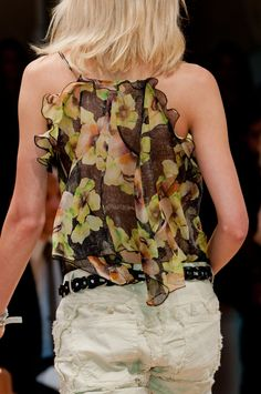 Isabel Marant at Paris Fashion Week Spring 2014 - Details Runway Photos Spring 2014, Summer 2014, Spring Summer, Fashion Addict, Girl Fashion, Womens Fashion, Paris Fashion, Fashion Labels, French Fashion