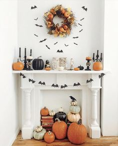 Fall activities are fun and help us fully enjoy the autumn experience. We came up with the 10 best fall activities you'll want to try! Halloween Inspo, Halloween Home Decor, Halloween Season, Fall Home Decor, Autumn Home, Holidays Halloween, Spooky Halloween, Happy Halloween, Halloween Party