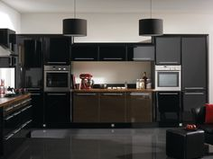 High Gloss Black finish on our Venice style fitted kitchen furniture.