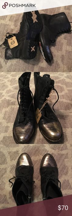 Born Lookis Black Boot with Gold Metallic Cap-Toe Never worn Born black leather lace-up/ side zipper boot with distressed metallic gold cap-toe. Size 8M Born Shoes Lace Up Boots