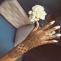 Fresh vacation henna  #hennalove #weddingseason #sangeet #seattle #hennaartist #henna #mehandi #mehndi #summertrend #indianbride #punjabiwedding #karvachauth #desibride #southindian #maharaniweddings #hennadesign #jagua #desigirl #lovemyjob #hudabeauty #Vegas_nay #indianwedding #whitenails #hennabynatasha