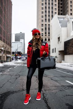 Casual Winter Outfits, Winter Fashion Outfits, Look Fashion, Autumn Winter Fashion, Fall Outfits, Miami Outfits, Summer Outfits, Miami Fashion, Outfits With Red