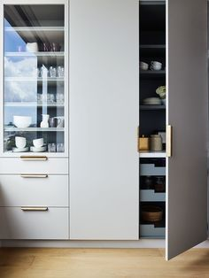 Arent & Pyke's Genevieve Hromas On Kitchens Of Today | Habitus Living. Pantry with internal drawers