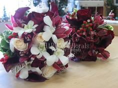 #darkred #white #orchdis #roses #callas #bride #bridesmaids #bouquets