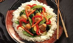 Lemon Chicken Stir Fry Recipe Need an idea for a fresh and tangy low calorie dinner? This delicious Lemon Chicken Stir Fry is just 4 Points per serving, and packed with vegetables and protein, making it an ideal meal for any Weight Watcher. Easy Low Calorie Dinners, No Calorie Foods, Diet Recipes, Chicken Recipes, Healthy Recipes, Easy Recipes, Entree Recipes, Diet Meals, Asian Recipes