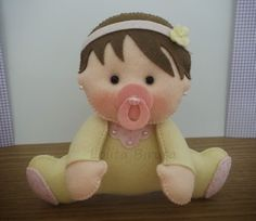 Bebê menina em feltro