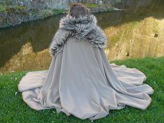 https://galerie.alittlemarket.com/galerie/sell/715851/autres-mode-cape-medievale-en-laine-et-couvre-6688209-p1340019-d3f8b_big.jpg
