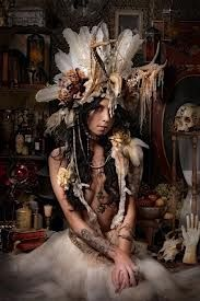 Pure Breed Headdress made for amazing artist Charmaine Olivia. Collabration between Black Lotus clothing and Taxil Hoax (aka. Charmaine Olivia, Mode Editorials, Cosplay, Foto Art, Tribal Fusion, Looks Cool, Mode Style, Headgear, Belle Photo