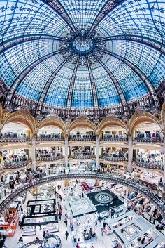 Galeries Lafayette, Paris - Shopping Gallery Madness