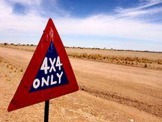 La piste entre Windhoek et Swakopmund, Erongo, Namibie.