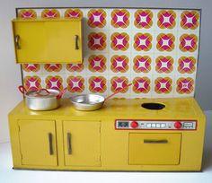 VT020 - Doll kitchen