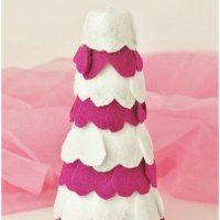 http://seasonalfamilyfun.com/valentine-crafts-felt-heart-tree/