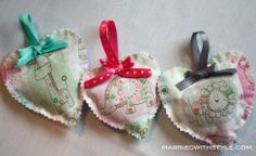 DIY Organic Lavender Sachets for baby - so cute, gentle, and chemical-free. Lavender is calming and helps relieves stress too which is always a bonus for new parents (and baby)!