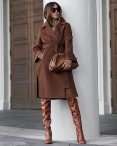 Perfect outfit idea to copy ♥ For more inspiration join our group Amazing Things ♥ You might also like these related products: - Sweaters ->. Winter Fashion Outfits, Fall Winter Outfits, Autumn Winter Fashion, Fall Fashion, Classy Outfits, Chic Outfits, Modelos Fashion, Tailored Coat, Fashion Mode
