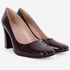Pantofi din piele naturala maro Henley Loafers, Shoes, Fashion, Travel Shoes, Moda, Zapatos, Moccasins, Shoes Outlet, Fashion Styles