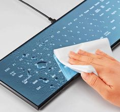 Touchscreen Keyboard - A mirror-like surface housing 108 capacitive, backlit keys to provide brilliant soft lighting under any conditions. Easily cleaned and is ideal for workspaces that require regular maintenance, or for beautifully accenting your home PC setup.