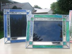 Custom stained glass picture frame with accent corners to highlight your favorite 5x7 photo! Can be used for vertical or horizontal photos. You