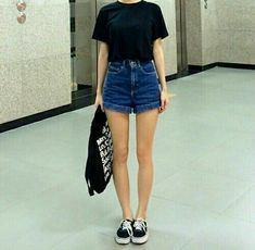 34 new ideas korean fashion grunge vogue korea K Fashion, Korean Girl Fashion, Korea Fashion, Fashion Outfits, Womens Fashion, Dress Fashion, Winter Fashion, Korean Outfits, Short Outfits